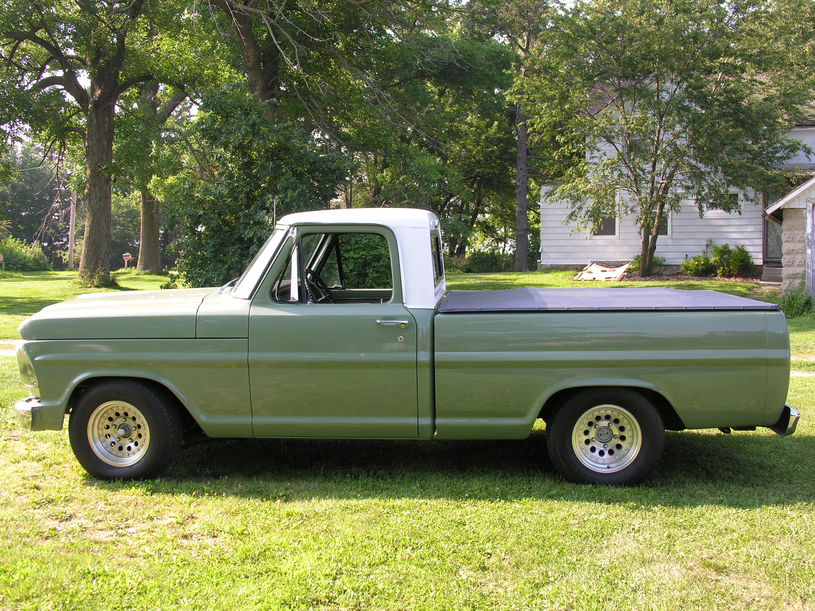 68 FORD Truck
